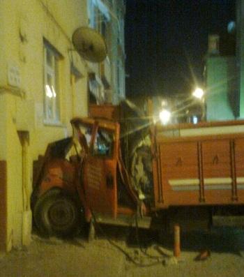 Tekirdağ Yunusbey Caddesinde Kamyon Kazası